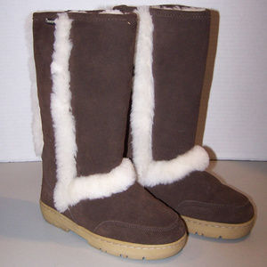 WOMEN'S BEARPAW FUR LINED SUEDE BOOTS S3356